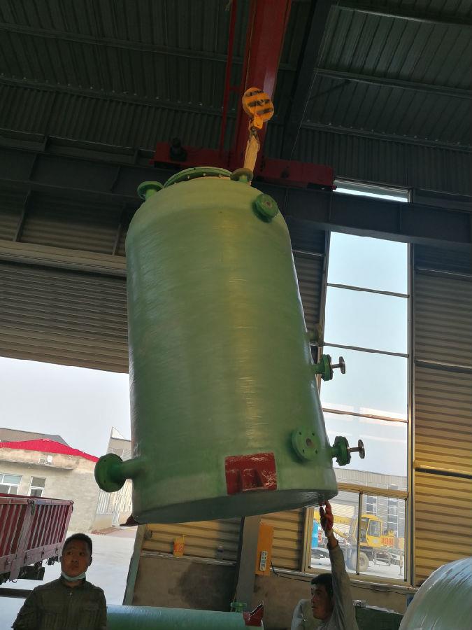 玻璃钢立式储罐的正确安装小技巧